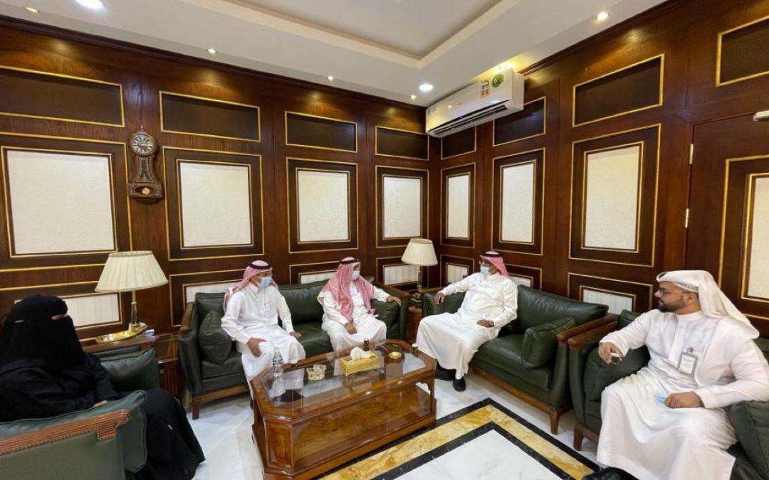 رئيس مجلس الإدارة ونوابه وممثل الغرفة في زيارة لرئيس جامعة بيشة