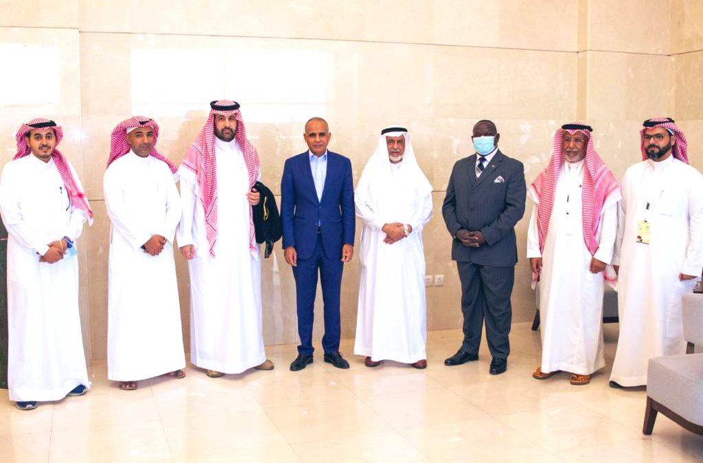 رئيس وأعضاء مجلس إدارة غرفة بيشة يستقبلون السفير الموريتاني سيد علي