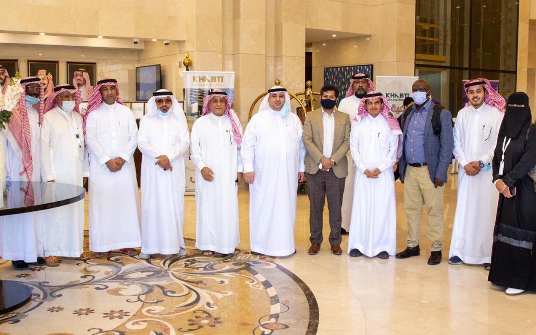 رئيس وأعضاء مجلس إدارة غرفة بيشة يستقبلون قنصل عام دولة تنزانيا وقنصل عام دولة الهند في زيارة لمحافظة بيشة
